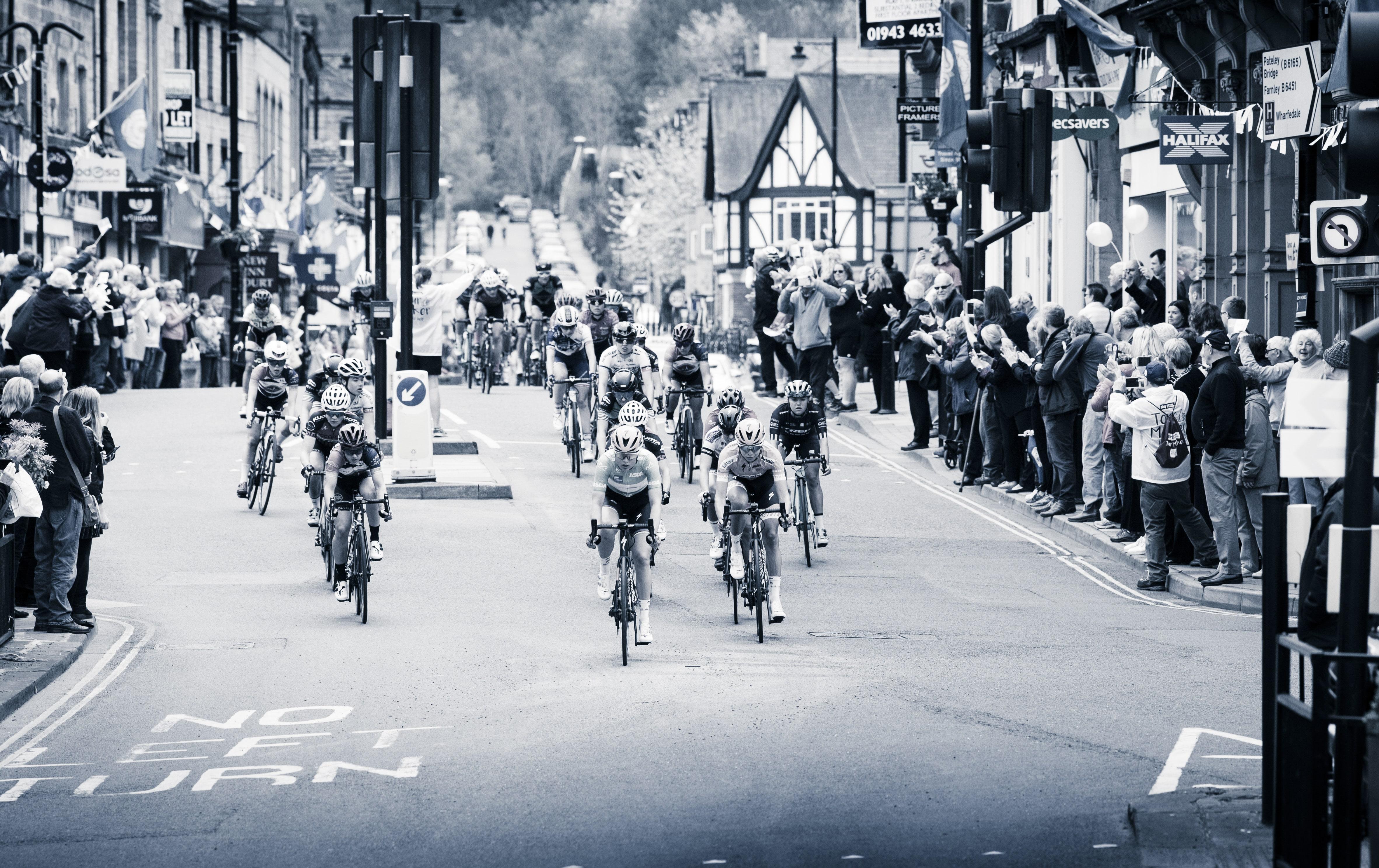 Cycle race through Otley town centre